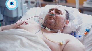 Taxikář zůstává v nemocnci kvůli pozitivnímu výsledku testu.