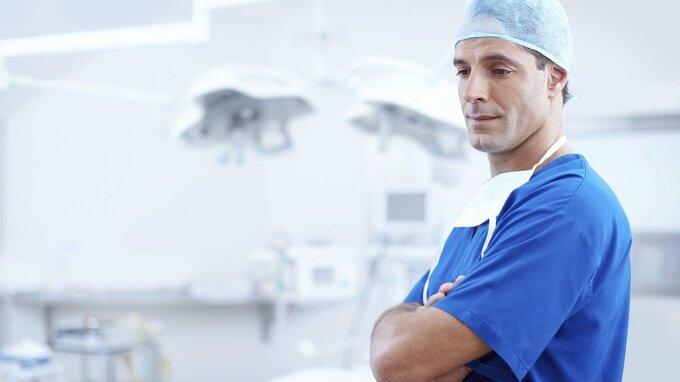 Lékaři vyzvali k uvolnění opatření.