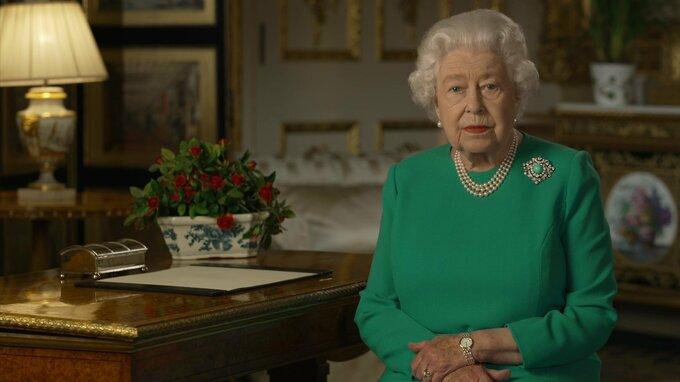 Královna soucítí s pozůstalými.