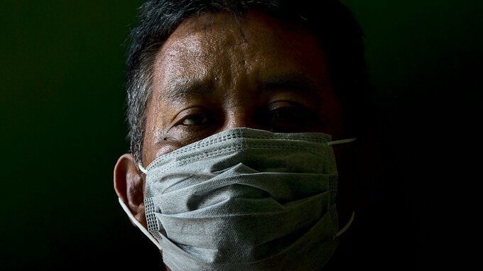 Koronaviru podlehlo téměř 200 tisíc lidí.