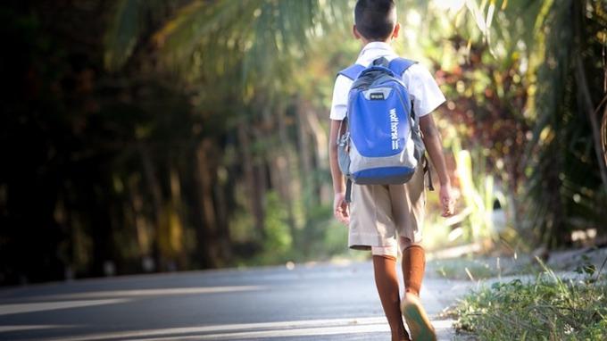 V pondělí se vrátí první stupeň dětí do škol.