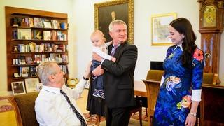 Prezident byl ze syna Alex velmi nadšený.