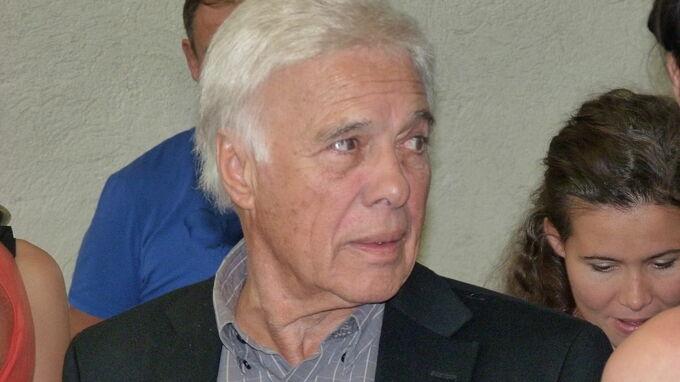 Guy Bedos byl výrazným francouzským hercem.