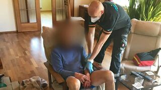 Muž se pokusil o sebevraždu, záchranáři přijeli včas