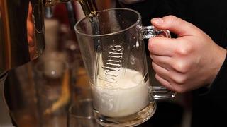 Mnoho lidí má obavy, že se může nakazit kvůli špatně umyté sklenici.