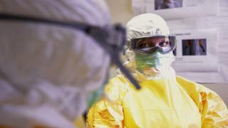 Koronavirus stále představuje smrtelné riziko.