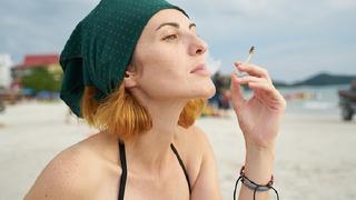 """Ženy přešly na """"zdravější"""" způsob kouření."""
