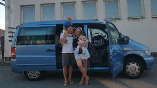 Aneta si vyrazila na dovolenou s celou rodinou.