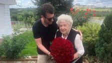 Leoš se svou milovanou babičkou.