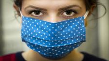Roušky jsou klíčovou zbraní v boji s koronavirem.