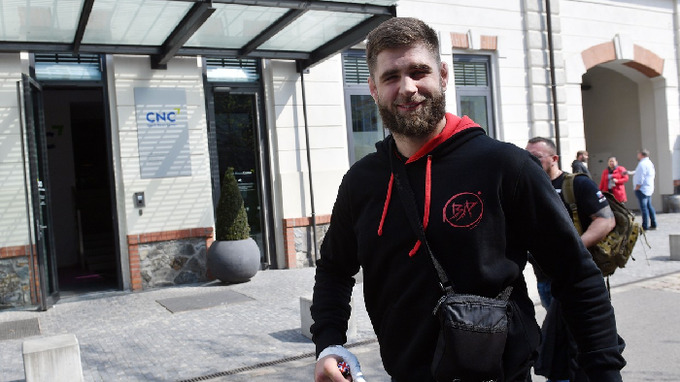 MMA zápasník Jiří Procházka promluvil o partnerském vztahu.