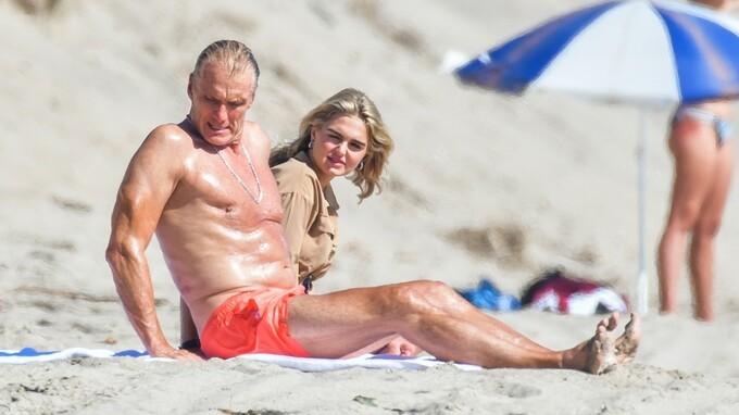 Dolph Lundgren se svou pohlednou snoubenkou.