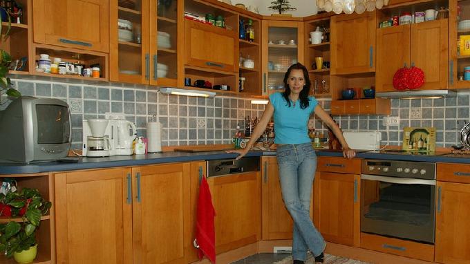 Heidi Janků má velmi útulnou kuchyň.