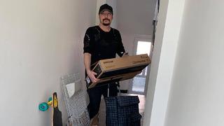 Bohuš Matuš se stěhuje do většího bytu