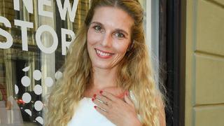 Krásná herečka se zasnoubila