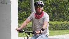 Bruce Willis si vyrazil na projížďku na kole