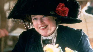 Kathy Bates jako Molly Brownová v legendárním Titanicu