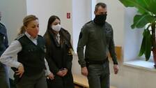 Juditu vedou policisté k soudu