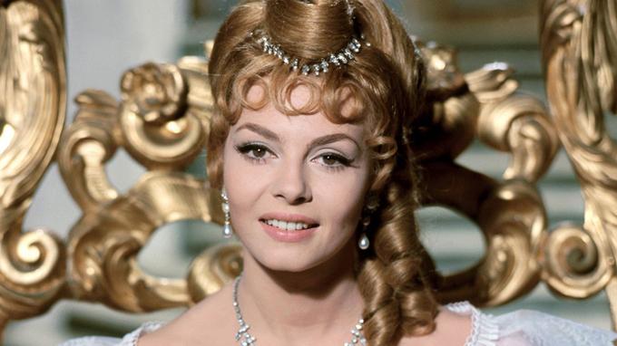 Michéle Mercier ve své nejslavnější roli Angeliky