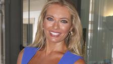 Lucie Borhyová je krásná moderátorka zpravodajské relace