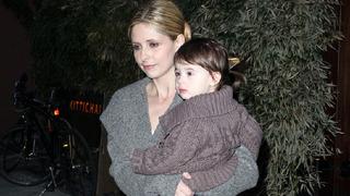 Herečka Sarah Michelle Gellar s dcerou