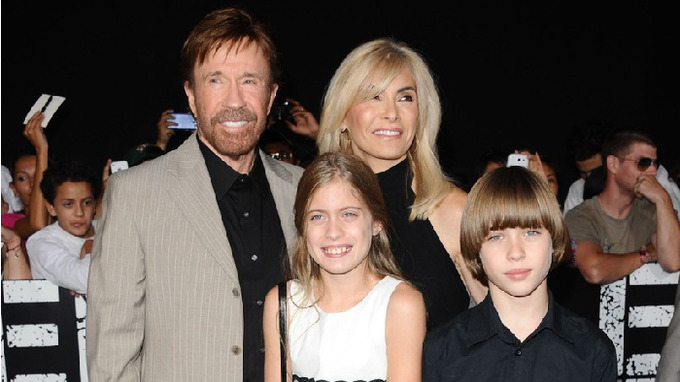 Chuck Norris se svou rodinou
