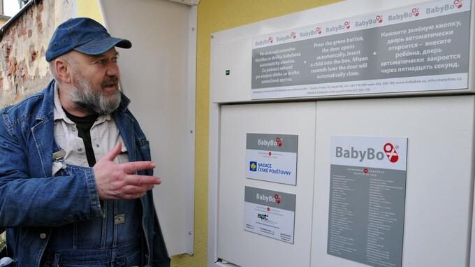 Ludvik Hess je zakladatel babyboxů