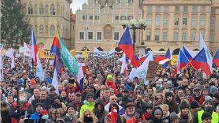 Na náměstí se sešlo okolo dvou tisíc lidí