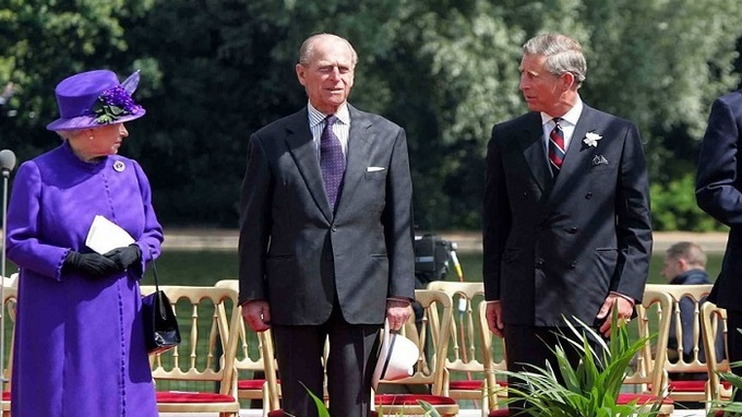 Královská rodina – Královna Alžběta II., princ Charles a princ Philip