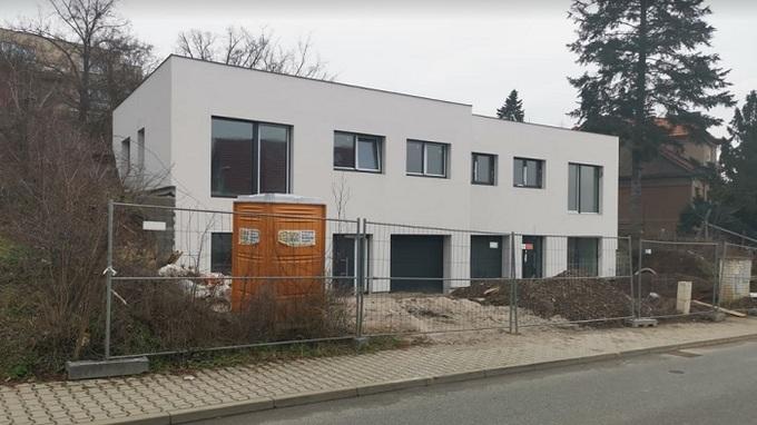 Lucie Šafářová a dům