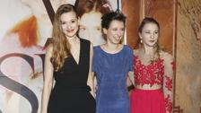 Herečky z dokumentu V síti Tereza Těžká, Anežka Pithartová a Sabina Dlouhá.