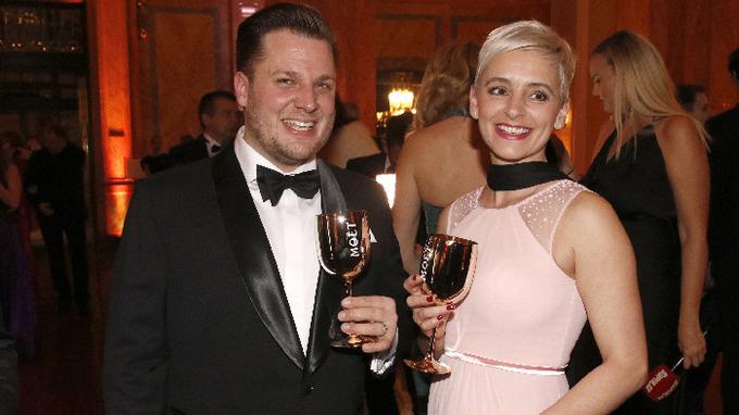 Tomáš Savka s manželkou
