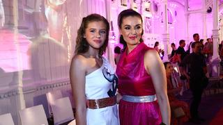 Modelka Iva Kubelková má krásné dcery. Natálie roste v dospělou ženu.