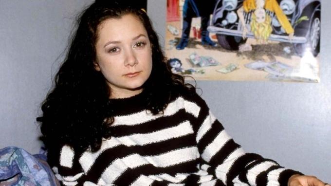Herečka Sara Gilbertová si zahrála v seriálu Roseanne ve 13 letech.
