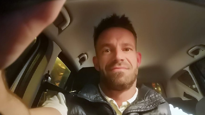 Petr Zvěřina se živí jako taxikář
