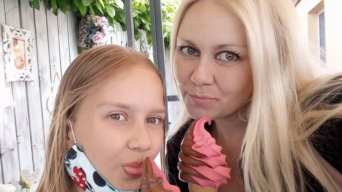 Zpěvačka Klára Kolomazníková s dcerou Valérií