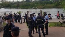 Zásah policie u otevřené zahrádky
