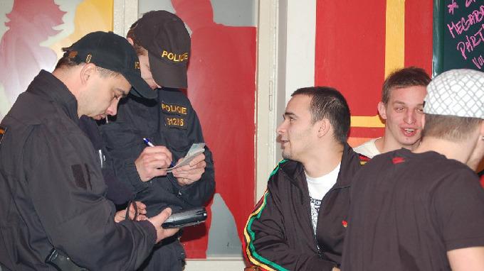 Policie kontroluje dodržování opatření – Ilustrační snímek