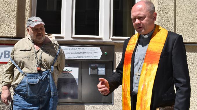 Ludvík Hess a vikář pražské arcidiecéze Mons. Zdeněk Wasserbauer