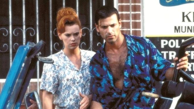 Herec Rob Stewart s herečkou Carolyn Dunnovou v seriálu Vražedné pobřeží
