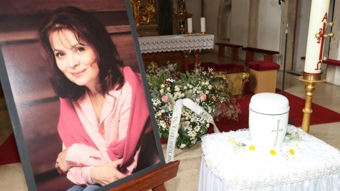 Zádušní mše za národem milovanou herečku Libušku Šafránkovou