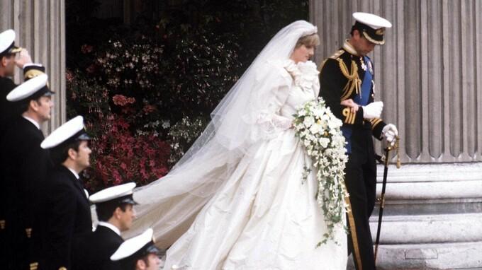 Princ Charles a princezna Diana v den svatby