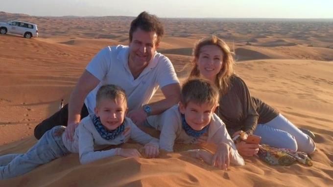 Nicol Lenertová s partnerem a dětmi