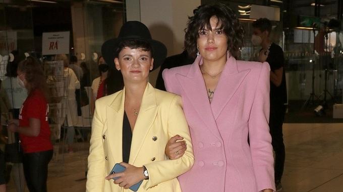 Karolína Kachyňová (vlevo) s půvabnou partnerkou.