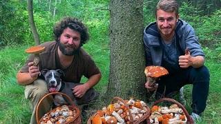 Dominik Mašek s kamarádem na houbách