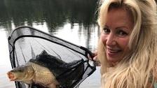 Herečka Kateřina Brožová ráda rybaří.