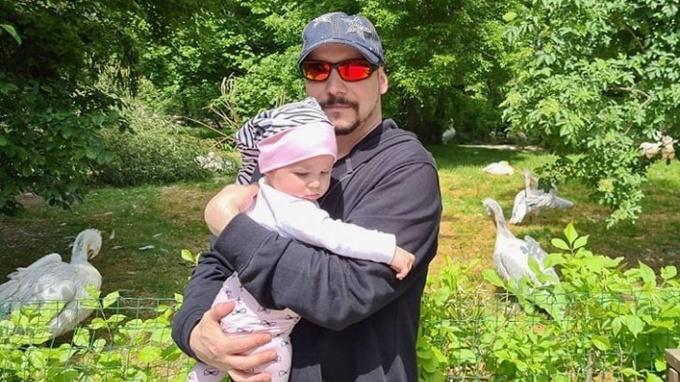 Zpěvák Bohuš Matuš s dcerkou Natálkou