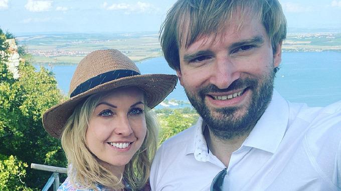 Ministr zdravotnictví Adam Vojtěch s manželkou Olgou