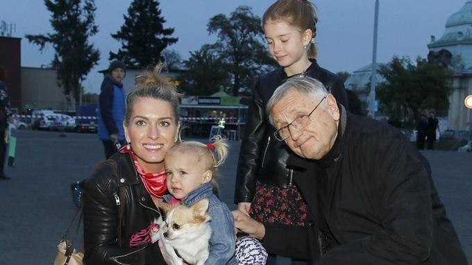 Producentka Olga Menzelová a její rodina. Manžel Jiří jí stále velmi chybí.