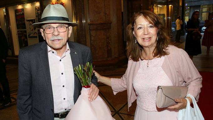 Jaroslav Uhlíř s manželkou